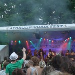 Jojo und Rocky Dawuni and Band live 2012